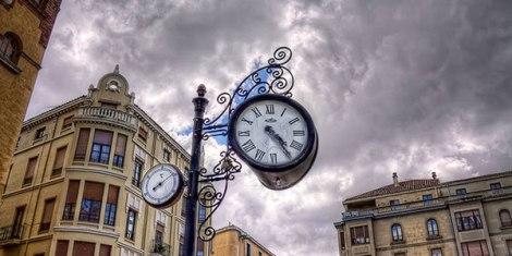 tcking-point-clock-header